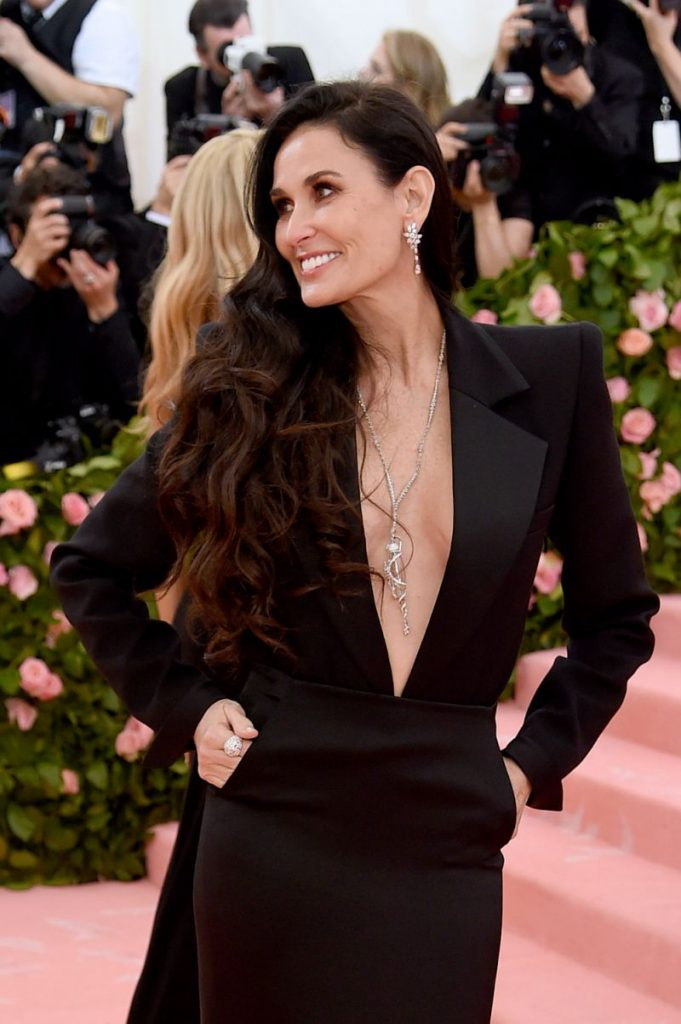 demi-moore-jewelry-from-the-met-gala-681x1024.jpg